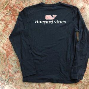 Girls Vineyard Vines long sleeve tee. Size M